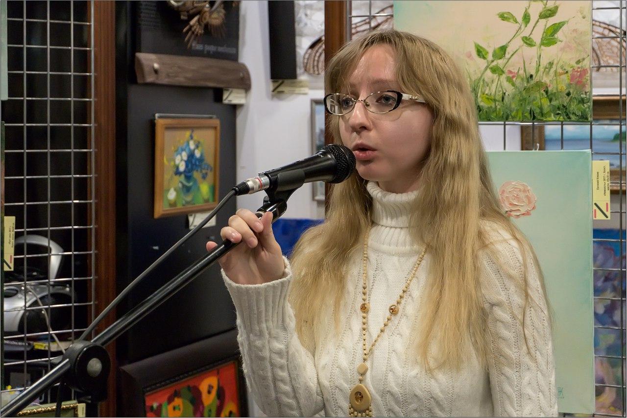 Поэт Юлия Федорищева читает Бродского