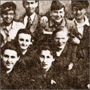 Харбинская молодёжная литературная студия «Чураевка», Лариса Кравченко – в первом ряду справа