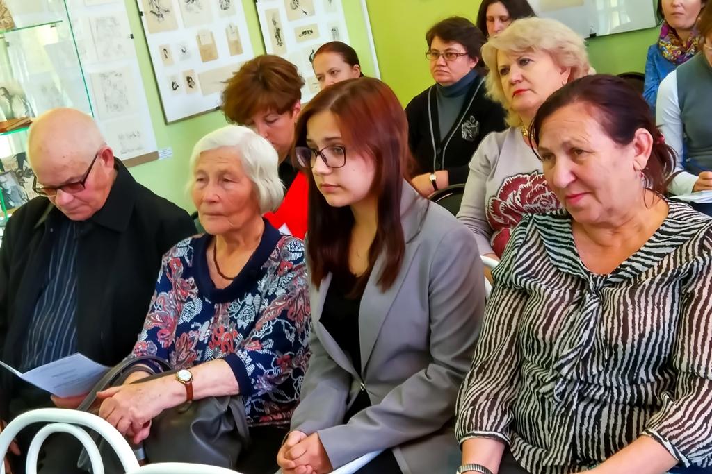 Сестра А.С. Иванова - Раиса Степановна и Анастасия Веселова (в центре)