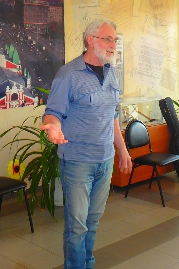 Александр Акишев