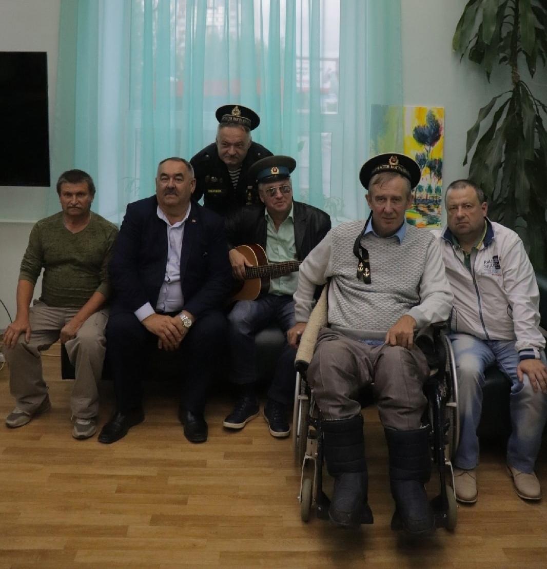 «Под зелёным флагом»: встреча с писателем Владимиром Топилиным и музыкантом Дмитрием Зарубиным